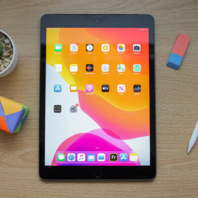 149321-tablets-review-review-apple-ipad-102-inch-initial-review-tried-and-trusted-goes-bigger-image1-npbhfzogfj